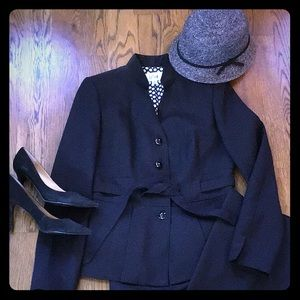 NWOT Le Suit Elegant black suit